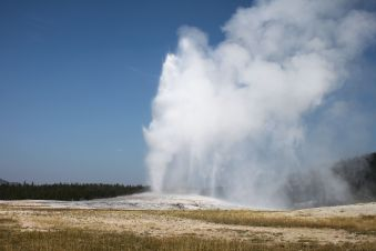 Yellowstone - Old Faithful - 3