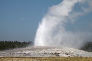 Yellowstone - Old Faithful - 8