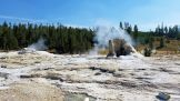 Yellowstone - UGB - Giant Geyser 1